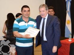 Acto de entrega de certificados y firma de Convenio